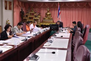 ประชุมพิจารณาร่างขอบเขตการจ้างที่ปรึกษาโครงการการติดตามและประเมินแผนพัฒนา เทศบาลนครฯ สี่ปี พ.ศ.2561-2564 2 ก.พ. 61