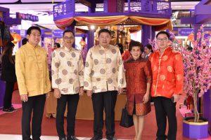 ร่วมเปิดงาน The Great Chinese New Year 2018 – The Blessed king dom วิจิตรแดนสวรรค์ เทศกาลตรุษจีนเนรมิต 32 แดนสวรรค์ สัตว์เทพมงคล 4 ทิศ ชูไหว้เทพเจ้า