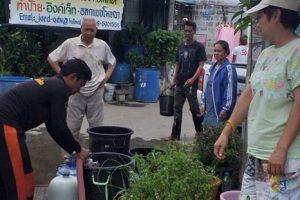 29ส.ค.62 จนท.ออกบริการน้ำให้กับประชาชนบริเวณชุมชนเคหะ ซึ่งได้รับผลกระทบจากน้ำไม่ไหลในกรณีซ่อมท่อชำรุด