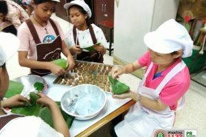 13ก.ย.62 โรงเรียนเทศบาล 2 (วัดสมอราย) ตามโครงการส่งเสริมอาชีพสู่ชุมชน ร่วมกิจกรรมทำขนมเทียนแก้ว
