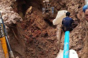 31 ก.ค.63 สำนักประปา ดำเนินการซ่อมท่อเมนขนาด 200 มม. ถนนมิตรภาพซอย 5