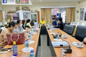 31 ก.ค.63 ประชุมตรวจสอบหลักสูตรสถานศึกษาของโรงเรียนเทศบาล ๔ (เพาะชำ)
