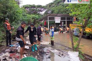 21 ต.ค.63 ช่วยเหลือผู้ประสบภัยน้ำท่วมขังในที่ลุ่มต่ำ