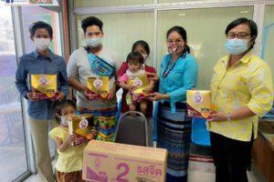 23 ก.พ.64 มอบนมผงสำหรับเด็กในเขตเทศบาลฯ