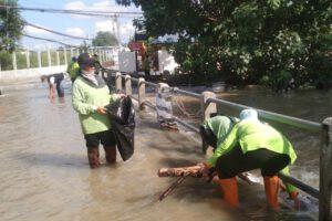 20 ต.ค.64 พัฒนาพื้นที่บริเวณจุดผู้ประสบภัยน้ำท่วม