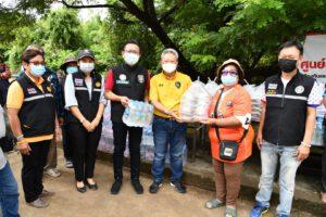 24 ต.ค.64 มอบข้าวกล่องช่วยเหลือผู้ประสบภัยพร้อมทำความสะอาดหลังน้ำลด